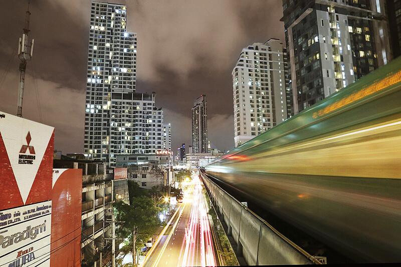 タイ・サムローン駅周辺が人気の新築コンドミニアム購入