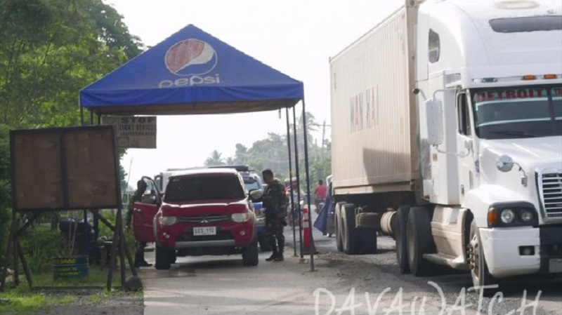 アメリカ、マラウィ市の避難民に救援物資を提供
