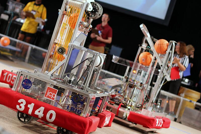 ミャンマー学生チームが世界ロボコンで6位に入賞