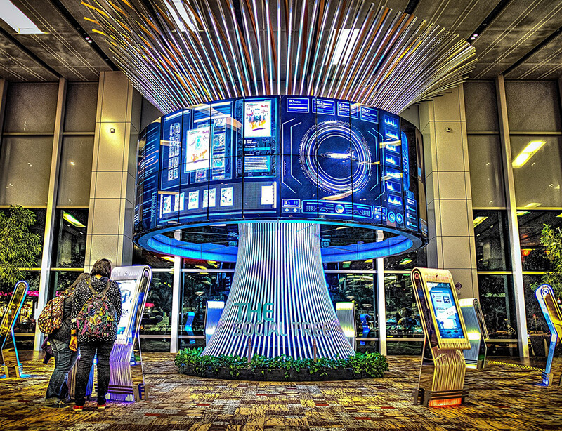 シンガポール先端技術採用による競争力強化、モデル工場を開所