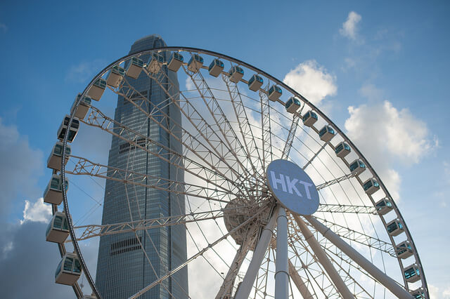 香港の「大型観覧車」、撤去の危機を乗り越えて、12月20日に営業開始