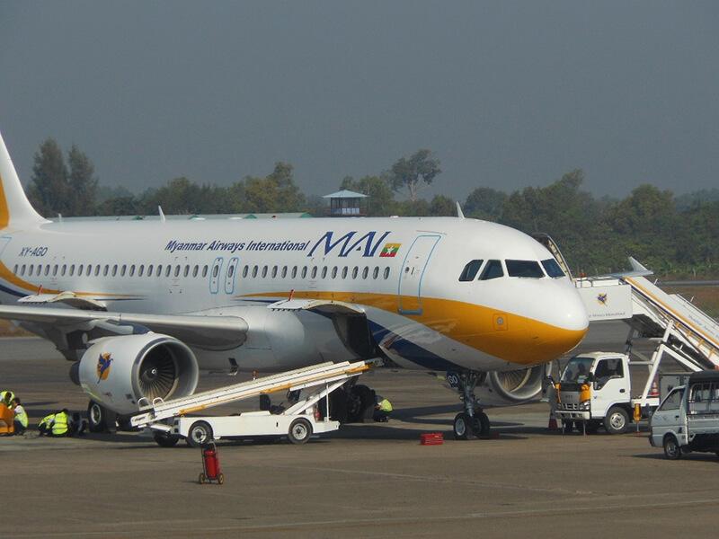ヤンゴン国際空港で没収の外貨、職員に30%を報奨金に