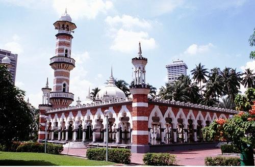 マレーシアが観光税を実施