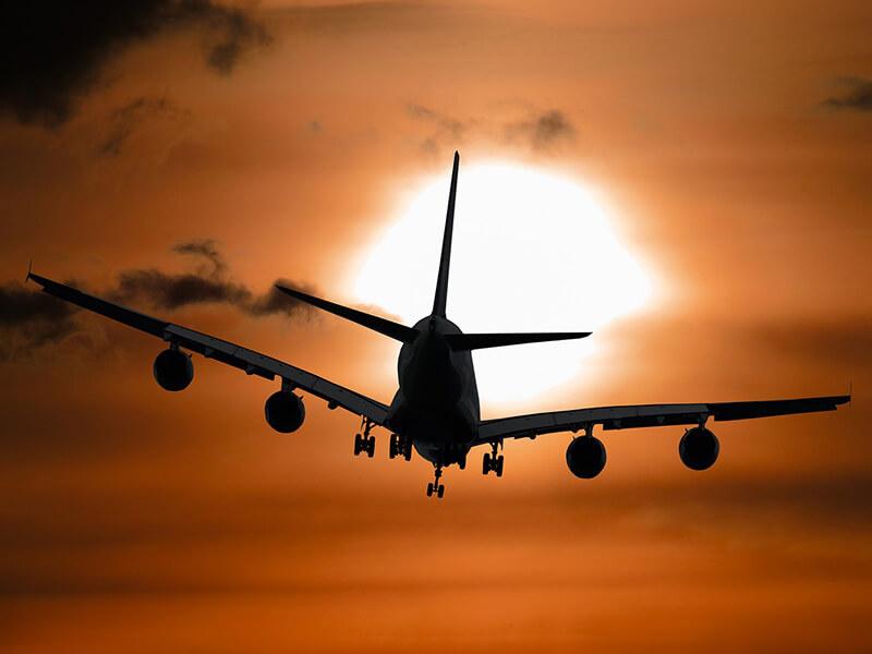 インドネシア:航空運賃12~16%減額 高止まりに政府対処 観光業界「不十分」