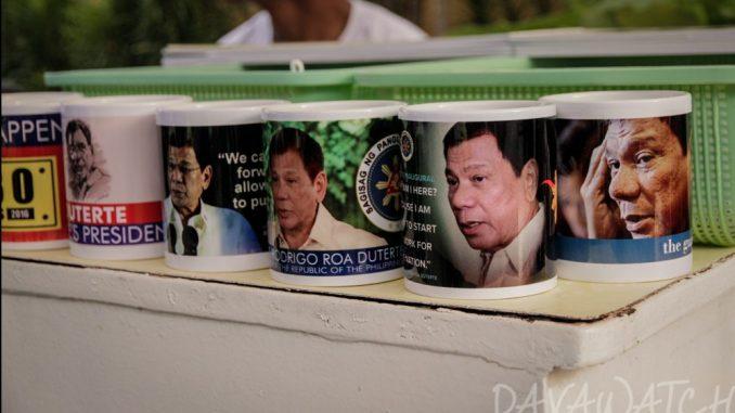 【速報】ドゥテルテ大統領が披露した「麻薬取引の相関図」