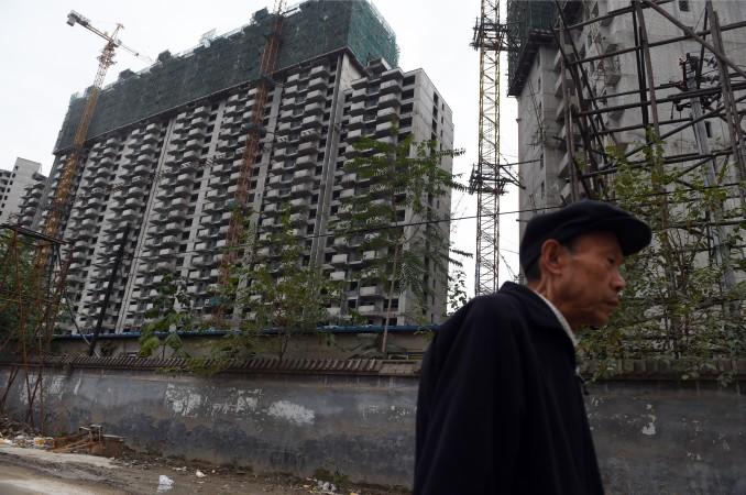 「上海住宅価格は10年間で6倍」、不動産抑制策は何のため?