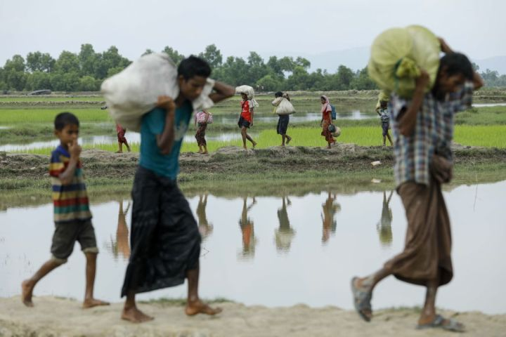 渦中のアウン・サン・スー・チー氏が聴くべき「ロヒンギャ難民30万人の声」
