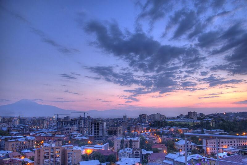 アルメニアで議会選挙実施 ロシア関係を重視する改革派が圧勝