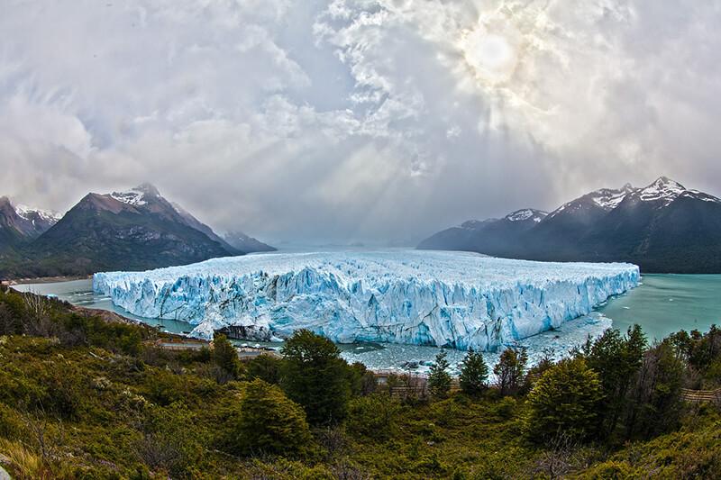 豪・アボット前首相、英の気候変動懐疑派会議で講演 「気候温暖化すれば凍え死ぬ人が減るからいい」