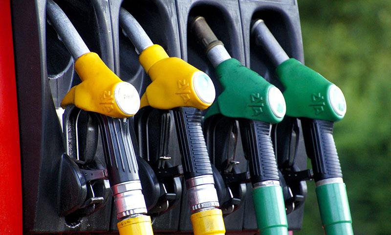 ミャンマー国内ガソリン小売価格が上昇、2年間で最高値を記録