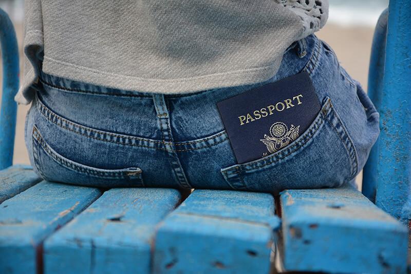 大阪の専門学校に通う外国人学生165人のビザが更新できず