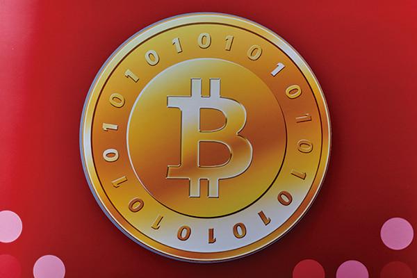 ビットコイン6000ドル突破、新通貨誕生の可能性も