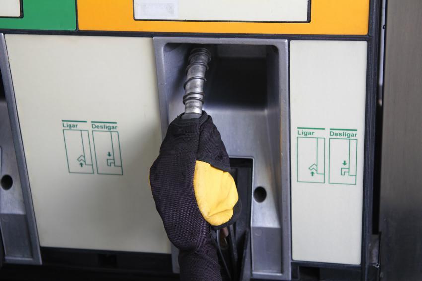 中東政情不安の影響? ブラジルでガソリン価格上昇