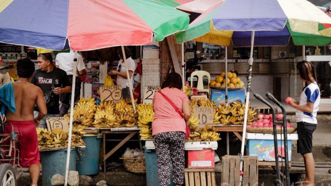 環境管理局が、ダバオ市の3つの公設市場に資金援助