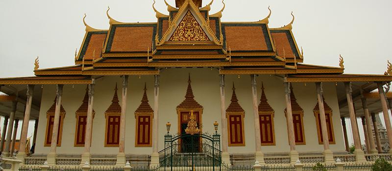 日本政府、カンボジアから老人介護の研修生の募集を開始する
