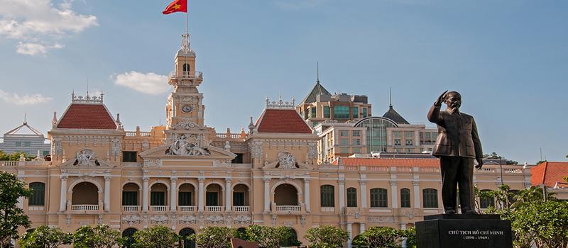 ベトナム・ホーチミン市、大阪府と経済・貿易・投資の面での提携強化を求める