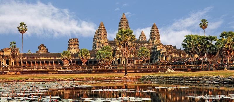 カンボジア首相、日本企業に更なる投資を呼びかける