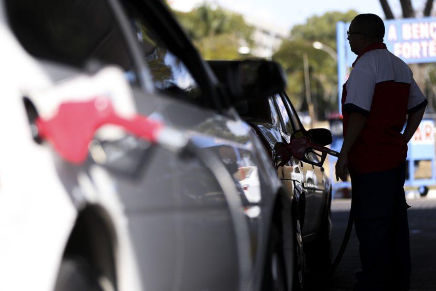 ブラジルでガソリン価格上昇続く