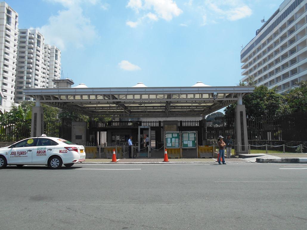 「フィリピンの日本国大使館」が扱う邦人援護件数、前年と同じ世界2位(!)
