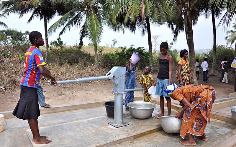 日本政府、ガーナの「井戸掘削機の建設」ほか4大プロジェクトに資金援助