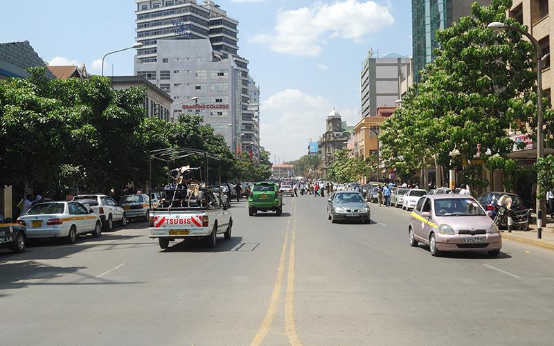 舗装工事業の「ワールド開発工業」、ケニアの道路建設事業を受注