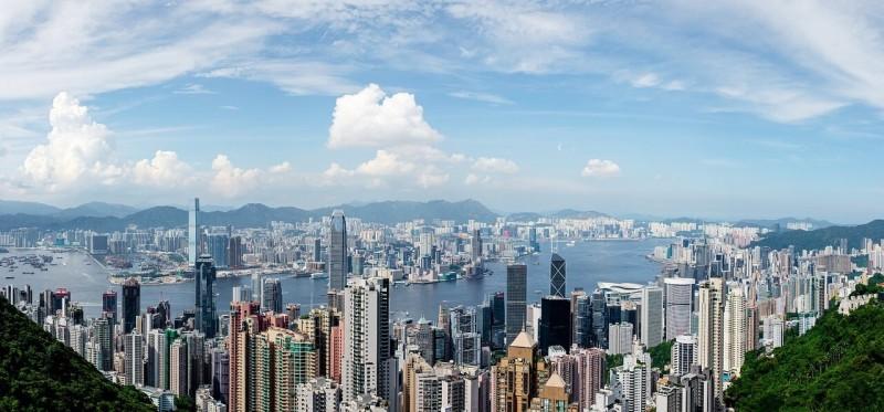 香港の下半期の経済成長を鈍化と予測 米国の関税措置の影響