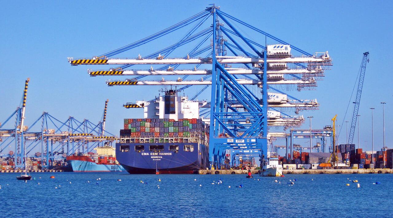 ヤンゴン「ティラワ埠頭」 49,000トン級の貨物船が接岸できる「新バース」が誕生