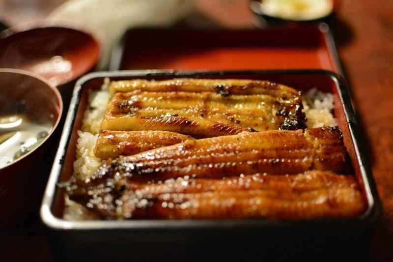 アジアの観光客に好評の「鰻」 シンガポールで鰻料理専門店がオープン