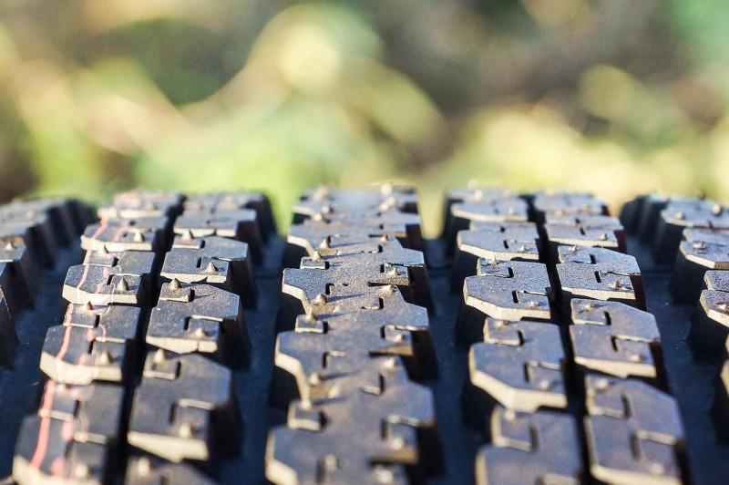 インド:急増する欧米の廃タイヤ輸出、インドの村が処理場に