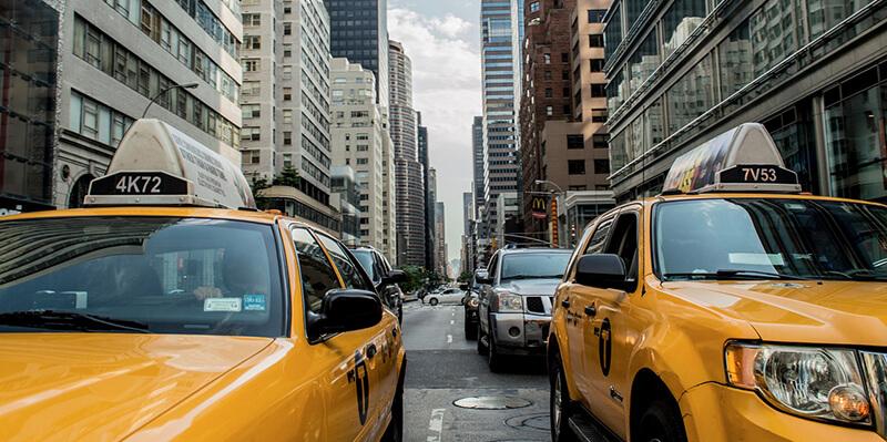 ミャンマーで「メーター制タクシー」がスタート  実は「交渉制よりも割高」?