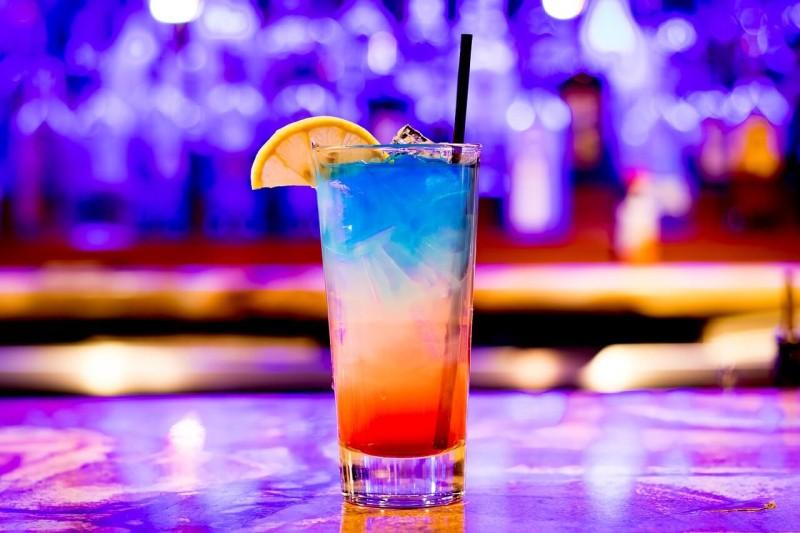 タイ:6月15日(月)の制限緩和で飲食店での飲酒を許可する案も、バーなどの再開はまだ