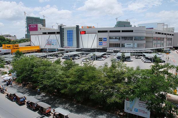 イオンがカンボジアに国内最大級のショッピングモールを開店 1号店も盛況