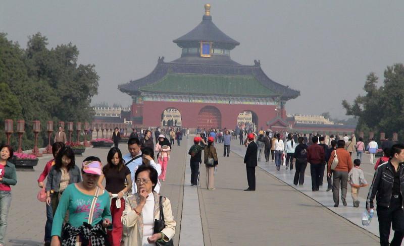 中国  米国籍中国人の出国を禁止 「人質」に