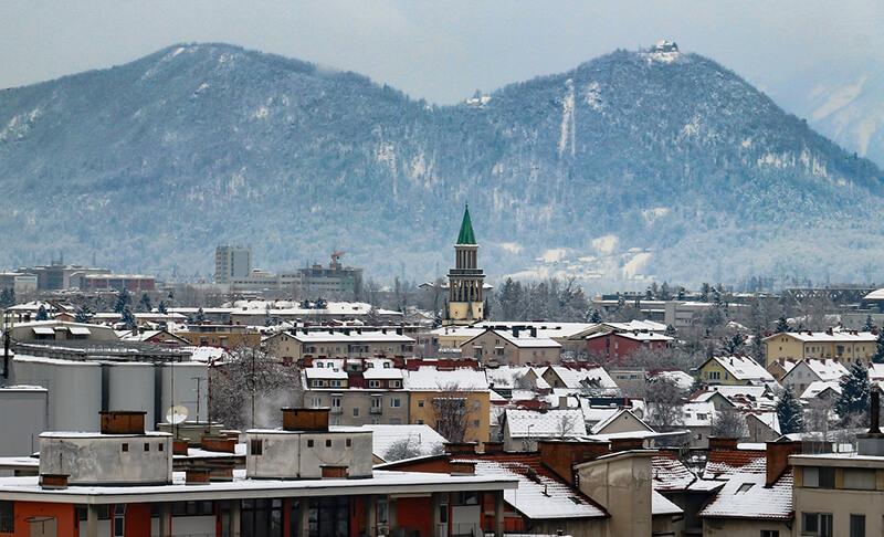 """スロベニア議会選 """"反難民""""の民主党が第1党に  難民受け入れを掲げるEUには打撃"""