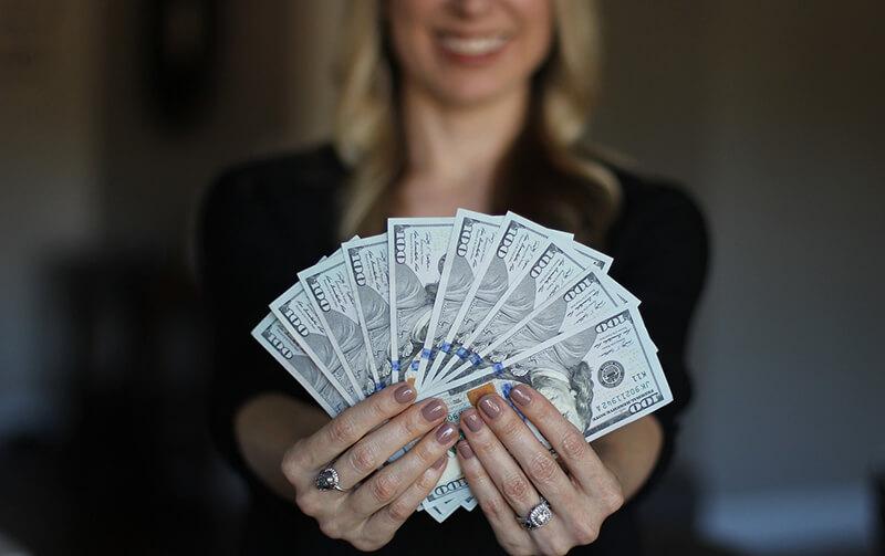 カンボジアの月額最低賃金論争に決着 182ドルで12米ドル引上げへ