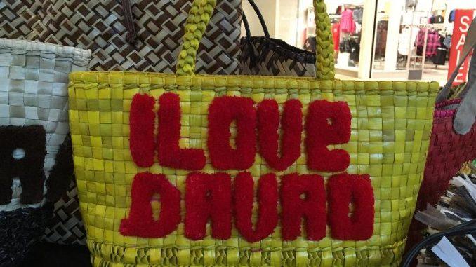 フィリピン・ダバオで「バンダンリーフ」の織物バッグに注目集まる