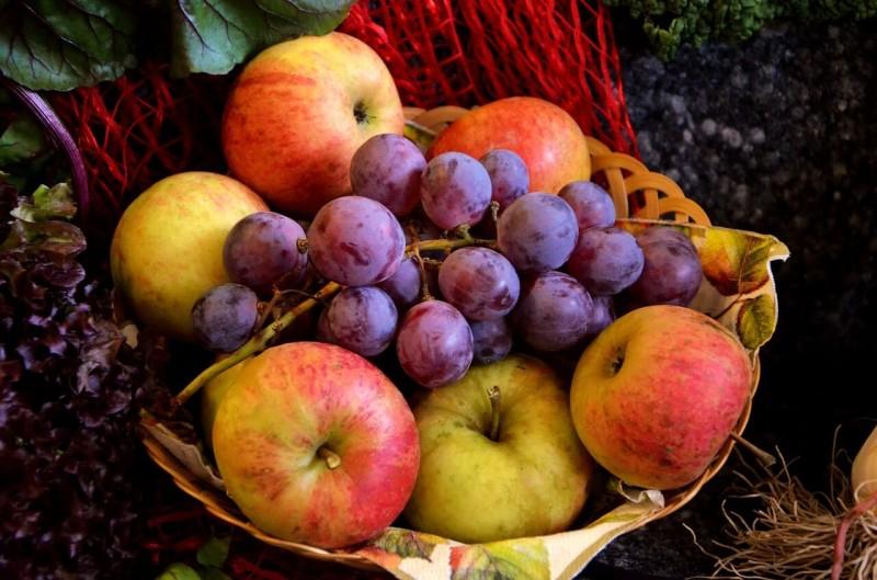 香港で人気の日本の果物 輸出拠点の関空使えず価格上昇か