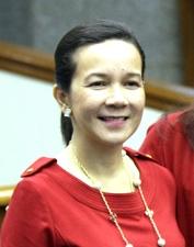 フィリピン次期上院選候補の支持率  女性候補者が上位独占