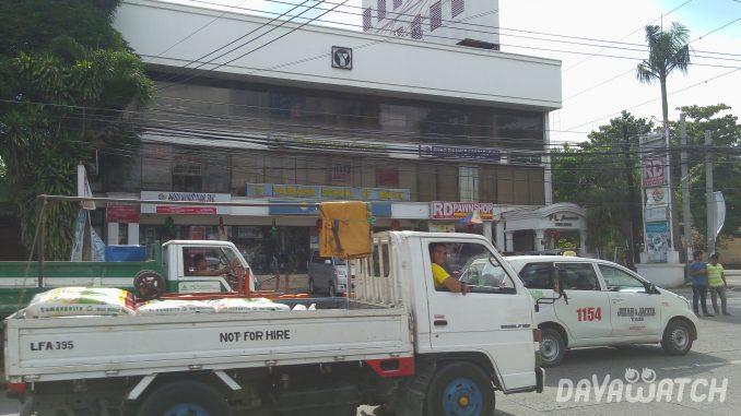 ドゥテルテ大統領がフィリピンでの石油関係消費税の廃止を検討