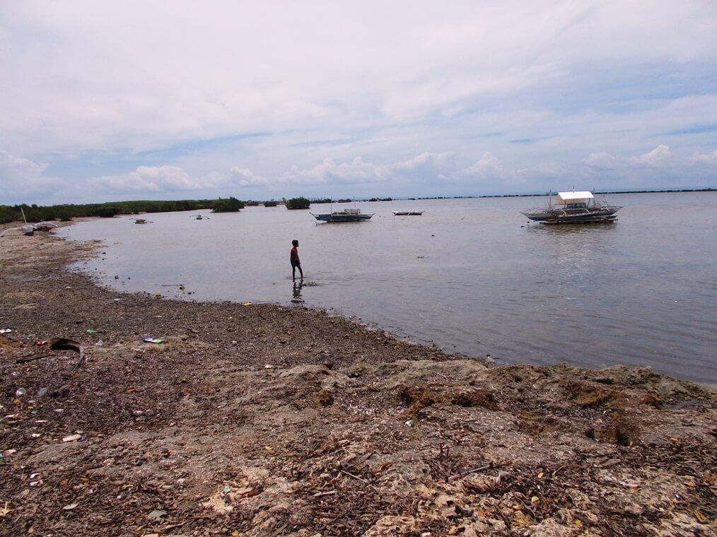オーバーツーリズムに悩むフィリピン・ボラカイ島  観光客の立ち入りが再開