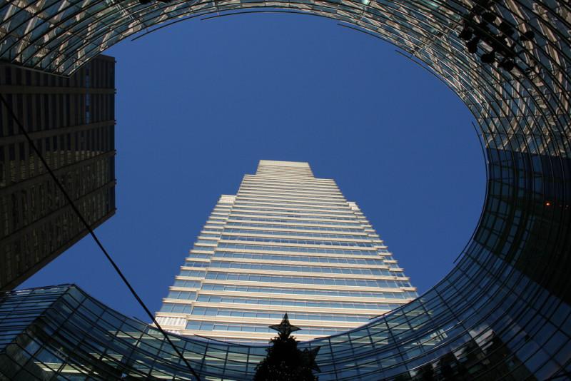 アメリカの金融情報ニュース・Bloomberg売却か CEOが2020年の大統領選出馬で