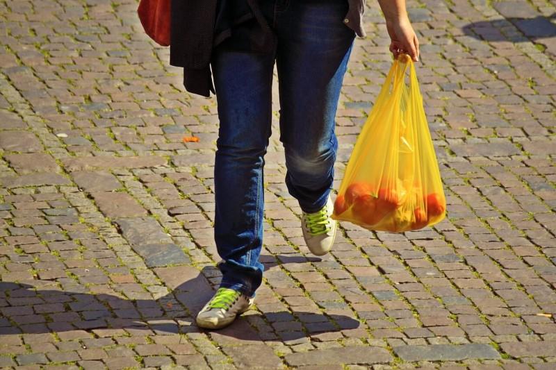 シンガポールのスーパー4社がレジ袋使用削減キャンペーン実施 エコバッグを提供へ