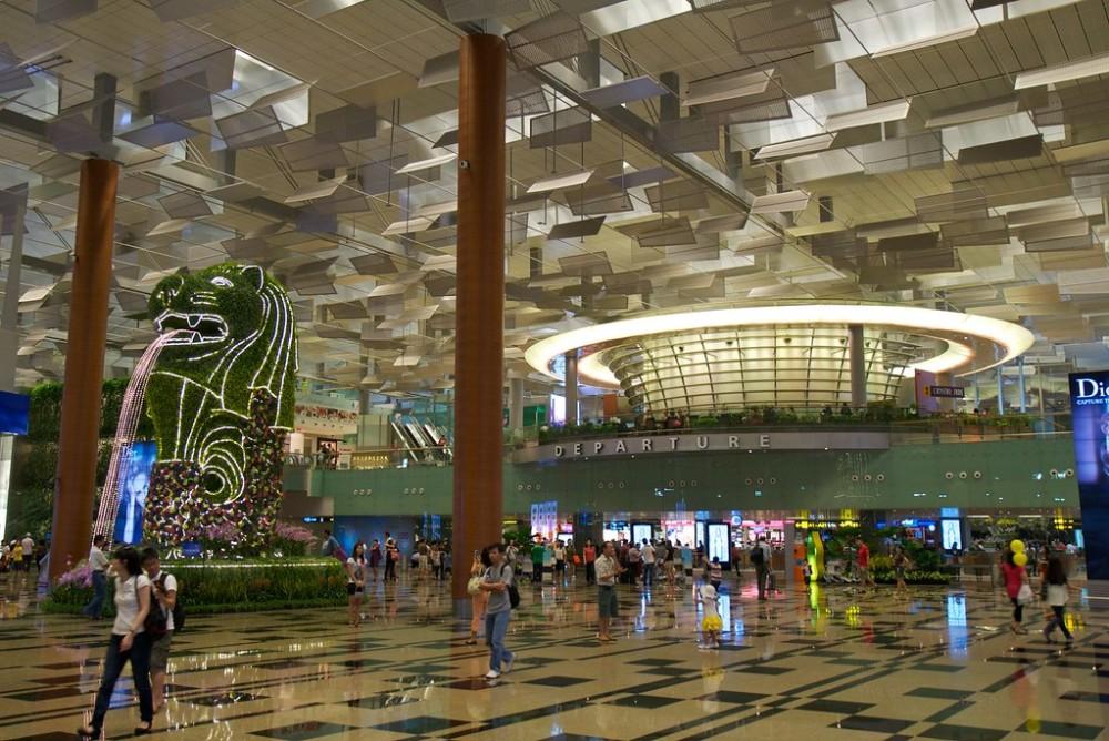 シンガポール:チャンギ空港の新施設ジュエル、内覧会を開始