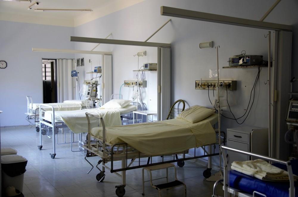 カンボジア:日本は保健施設に資金を提供