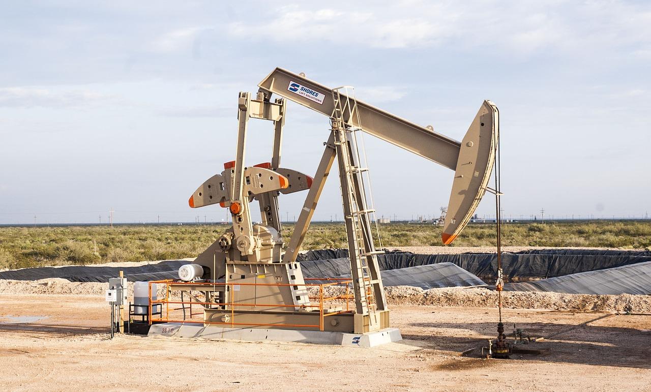 米、イラン原油全面禁輸へ 日本などへの適用除外を5月に撤廃