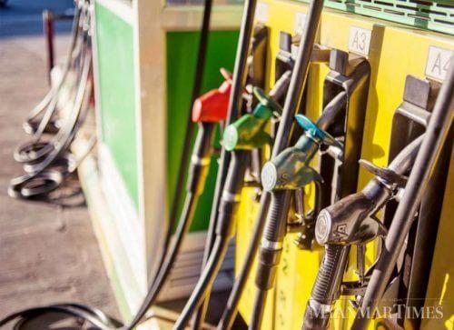 ミャンマー: チャット高でガソリン価格が安定