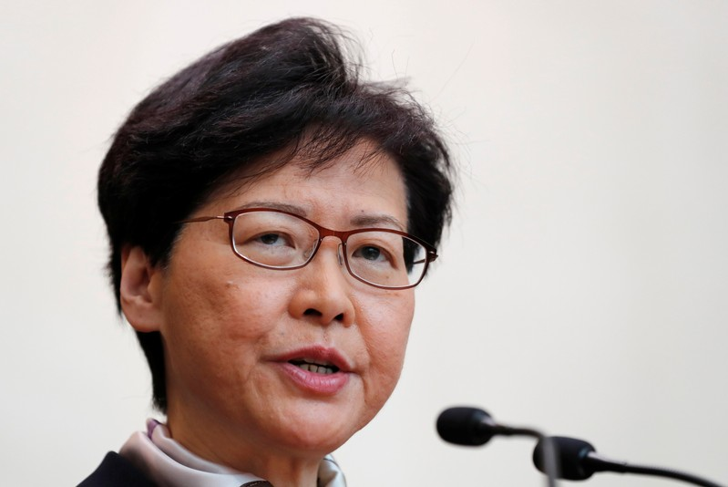 香港、ストで交通まひ 行政長官「デモは中国の主権への挑戦」
