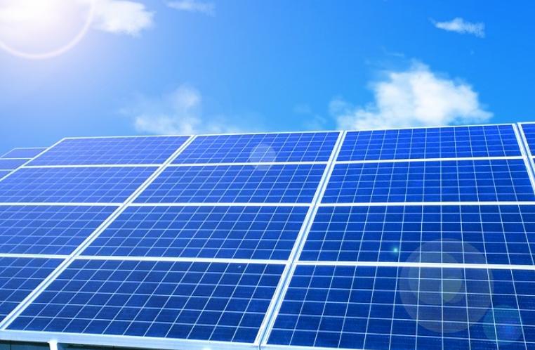 インドネシア:政府機関に太陽光パネル  22年までに設置完了 ジャカルタ特別州