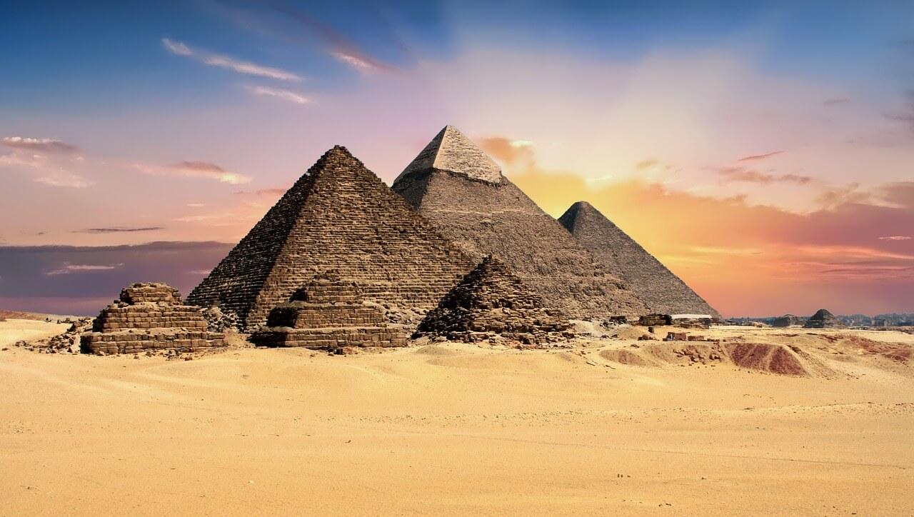 エジプトで大統領辞任求めデモ、証取が取引一時停止