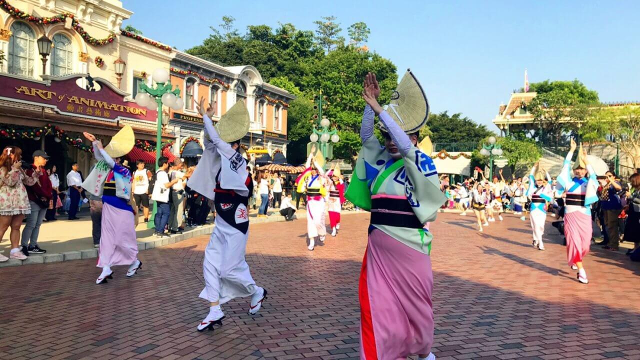 香港ディズニーで「阿波踊り」